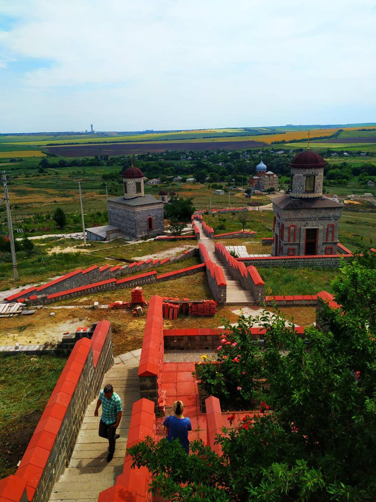 с. Красное посещение монастырского комплекса